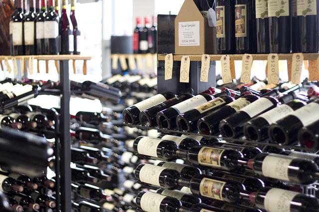 Investir dans le vin : joindre l'utile à l'agréable